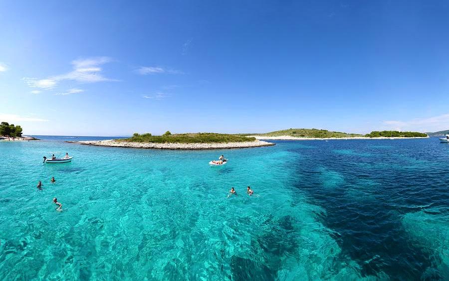 pakleni-islands-excursion-hvar-1426148964