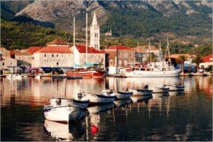 Jelsa, dovolenka v Chorvátsku