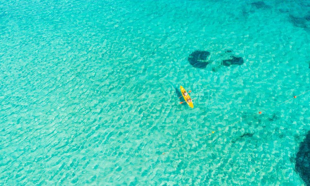 sardinia dovolenka tyrkysove more
