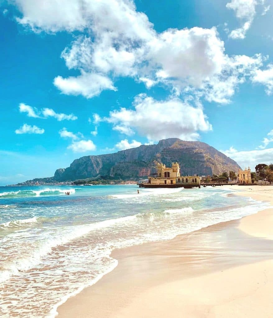 najkrajšie pláže sicílie Mondello