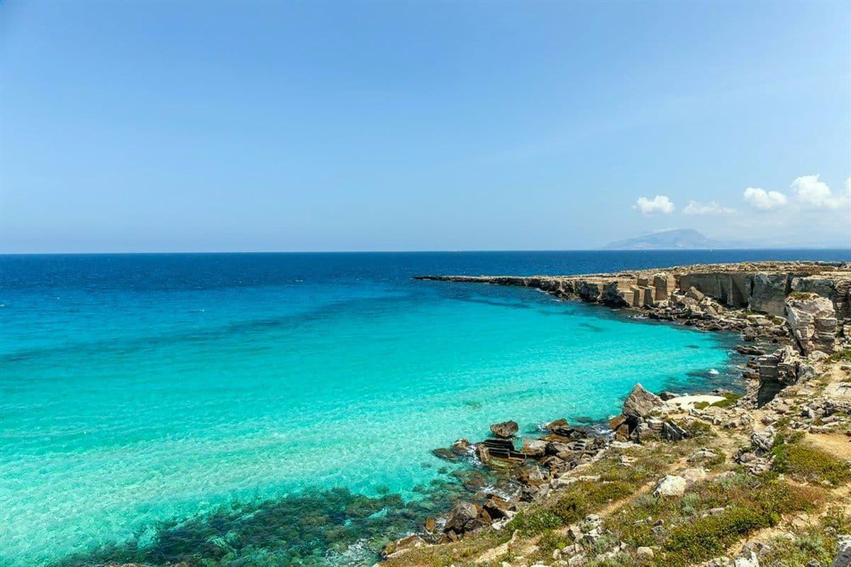 Sicília najkrajšie pláže ostrov Favignana pláž Cala Rossa