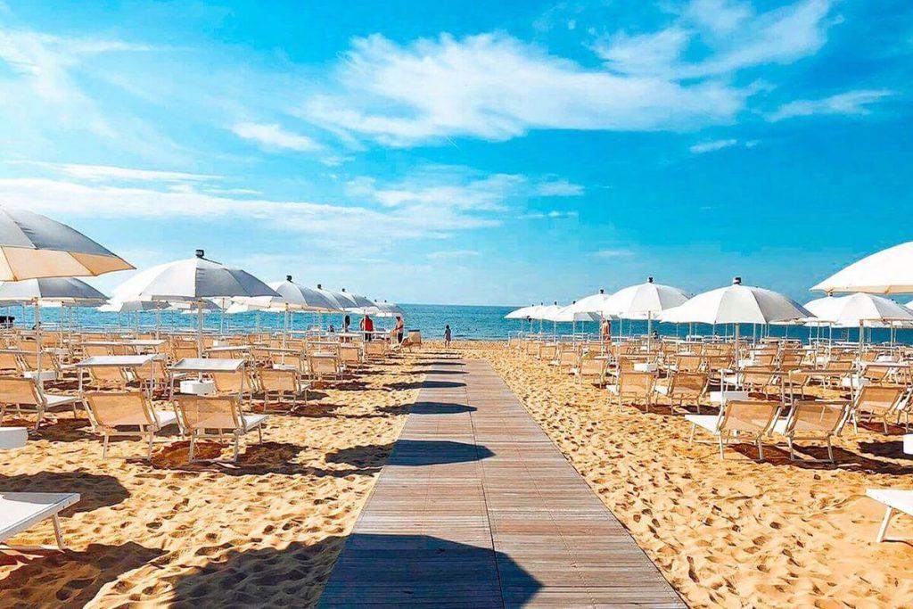 lido di jesolo dovolenka pláž